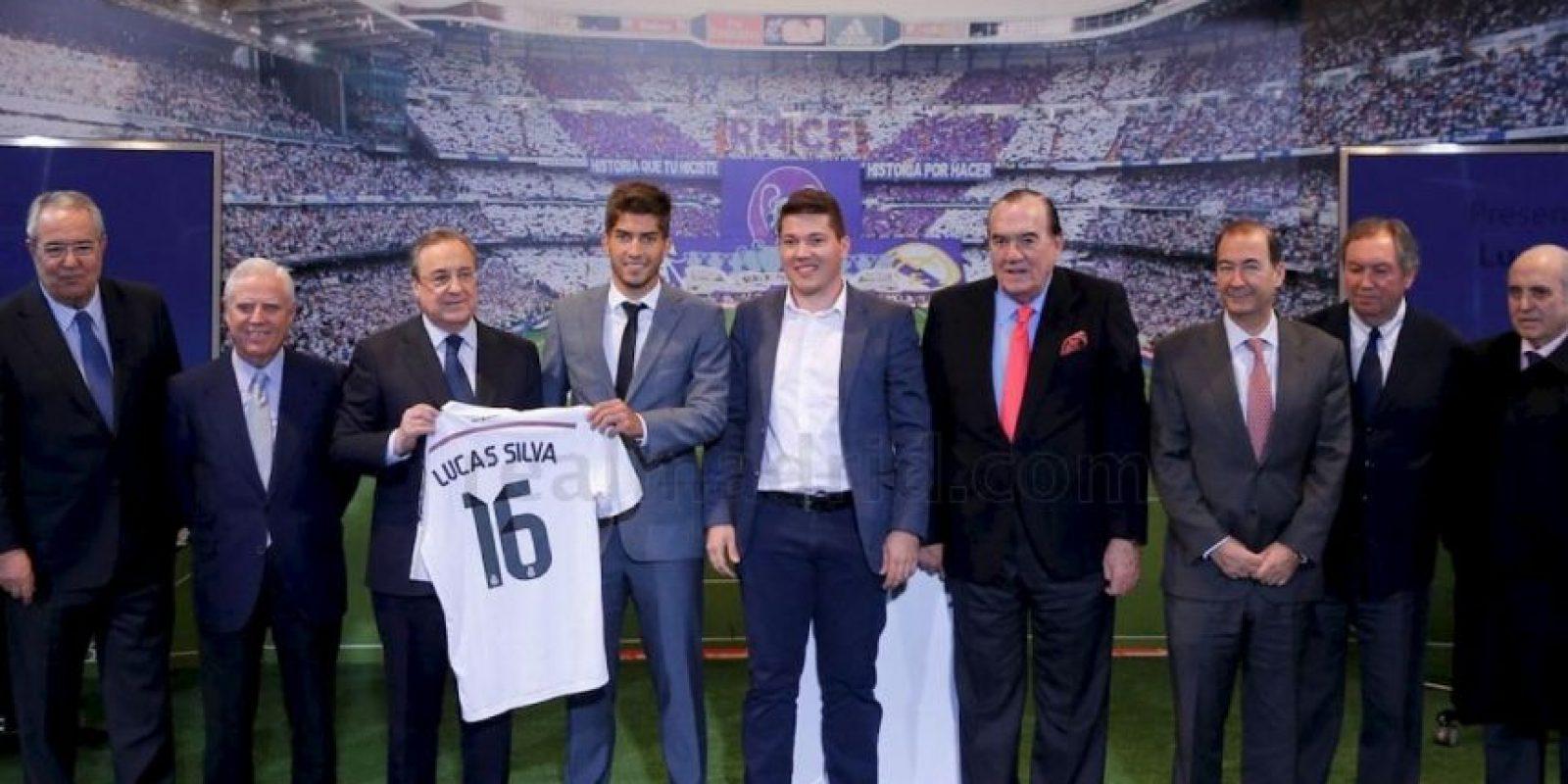 Lucas fue presentado en el Palco de honor del Santiago Bernabéu. Foto:Real Madrid