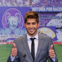 Silva saludando y posando para las cámaras. Foto:Real Madrid