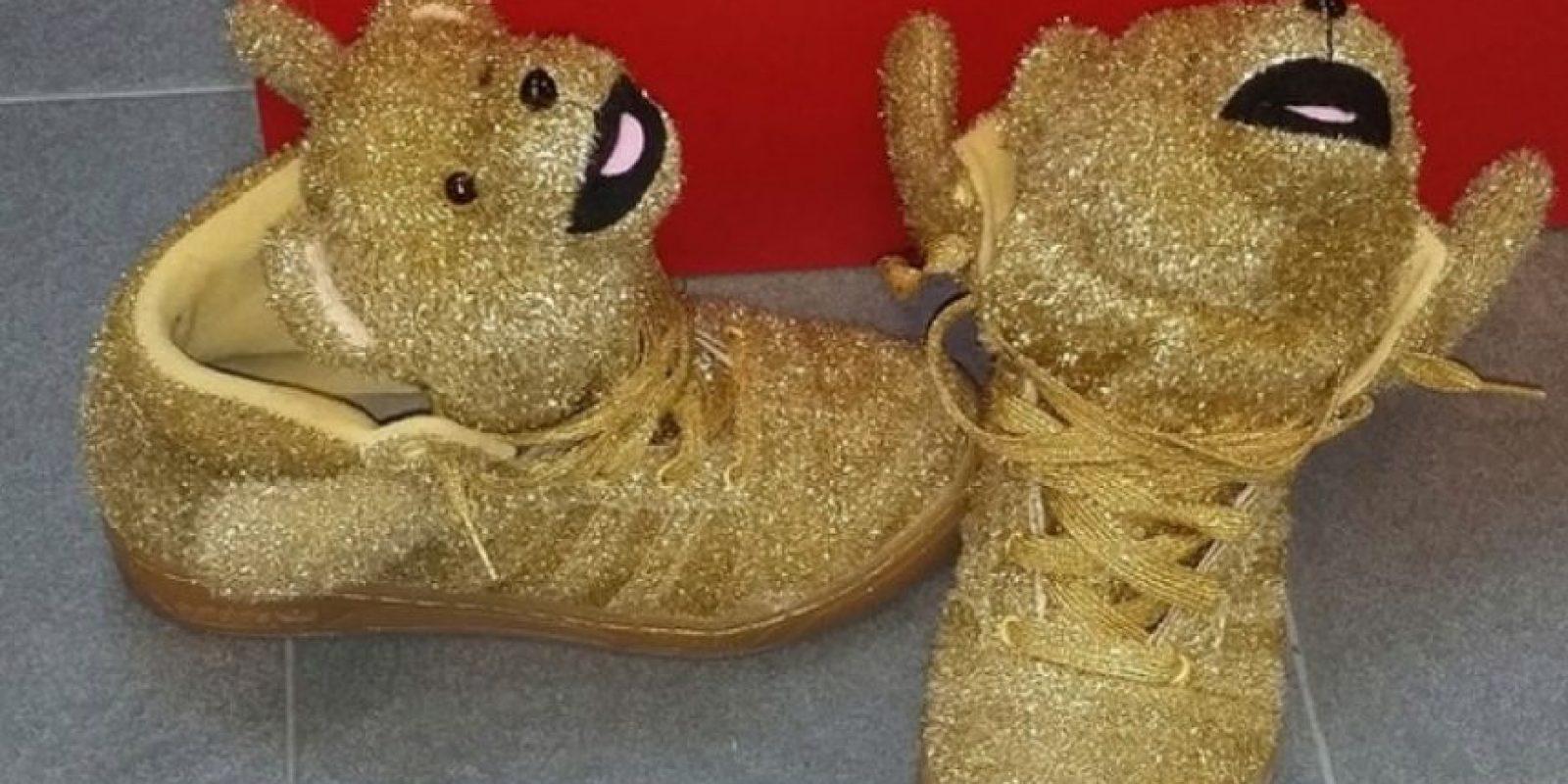 Los zapatos deportivos de Dani Alves fueron mostrados primero por Leo Messi. Foto:facebook.com/LeoMessi