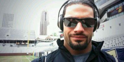 9. Su padre Sika y su hermano Matt también son luchadores profesionales Foto:Twitter: @WWERomanReigns