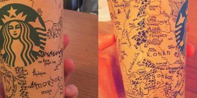 """Dibuja el mapa de Tierra Media, de """"El Señor de los Anillos"""", en una taza de café"""