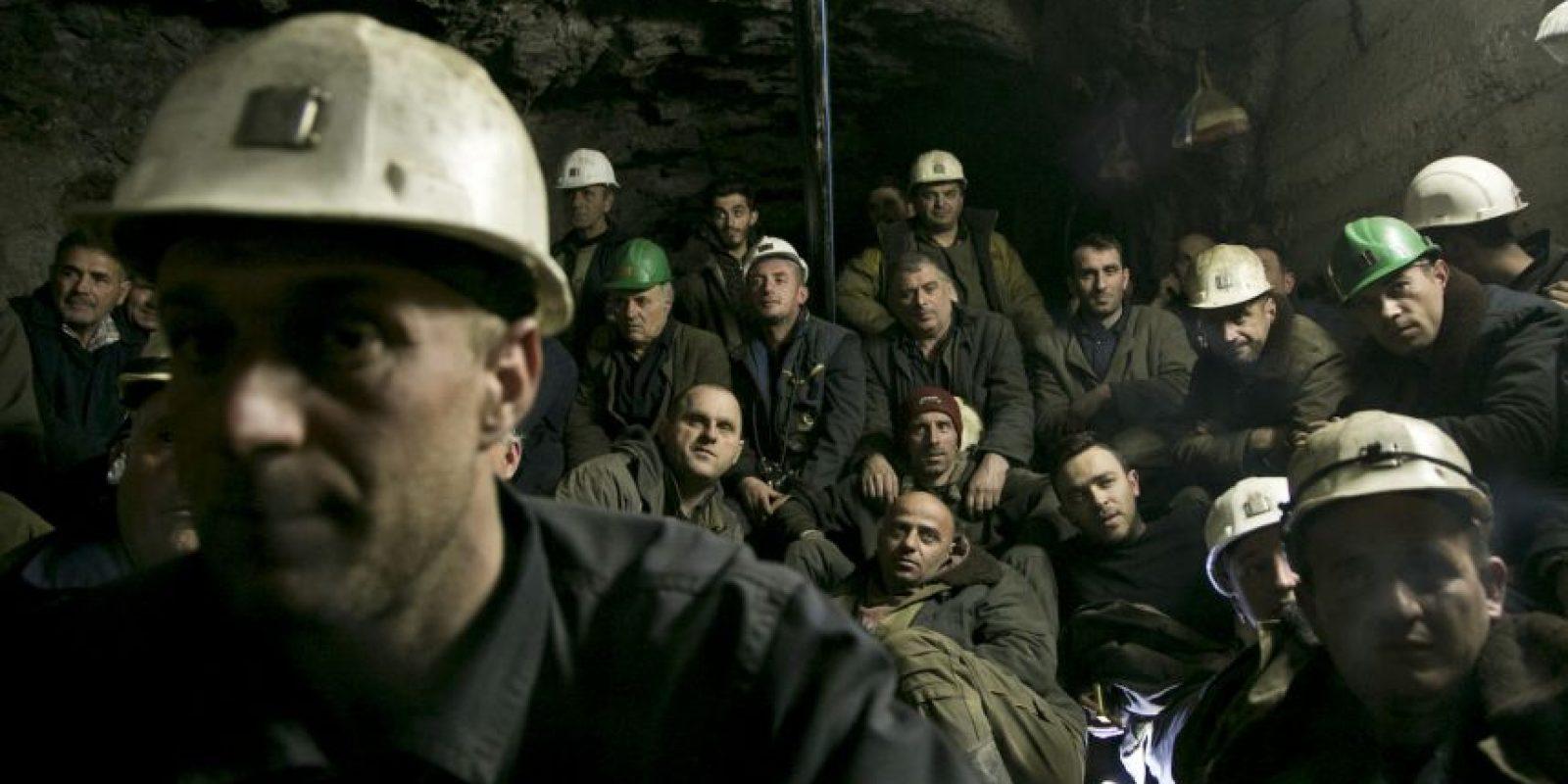 Las autoridades se están coordinando para rescatar a los otros mineros. Foto:AP