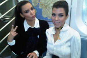 Kim y Kourtney Kardashian Foto:celebritiesonthesubway.tumblr.com