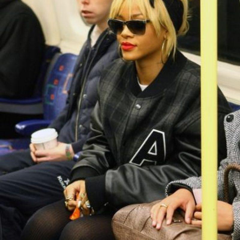 Rihanna Foto:celebritiesonthesubway.tumblr.com
