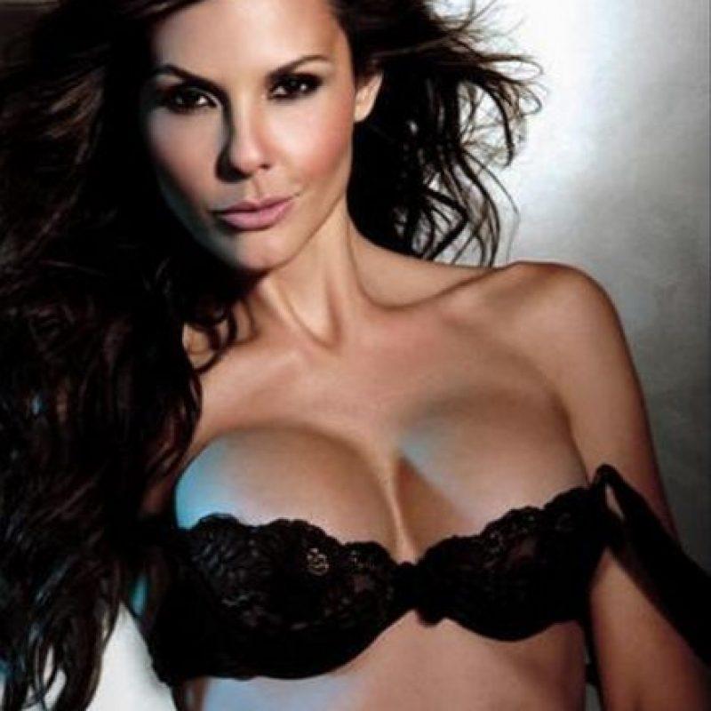 Paula Andrea Betancourt Arroyave es una ex reina de belleza y modelo, paisa. Paula Andrea representó al departamento de Amazonas en el Concurso Nacional de Belleza y fue elegida Señorita Colombia en 1992 Foto:Facebook Paula Andrea Betancourt