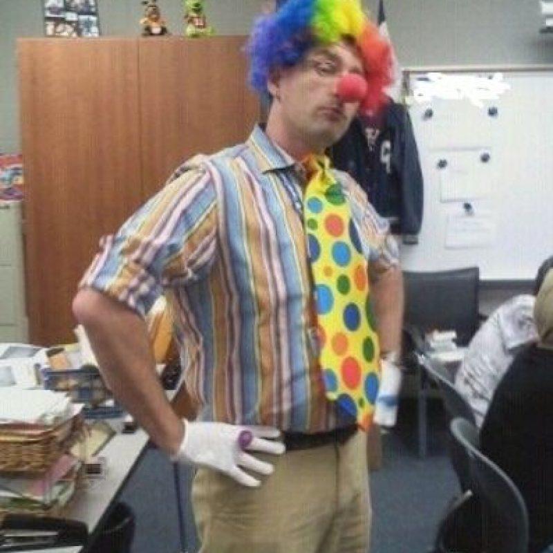 "Profesor gay que responde a alumno cuando dice que son ""como payasos"" Foto:Twitter"