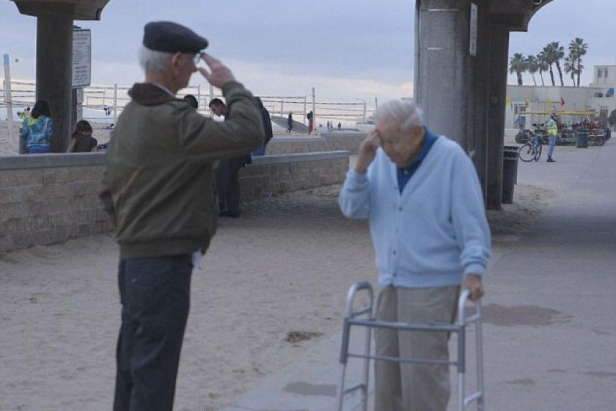 Kaufman tenía 70 años queriendo agredecerle a sus salvador Foto:Internet