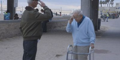Fotos. Sobreviviente del Holocausto saluda al soldado que lo rescató 70 años después