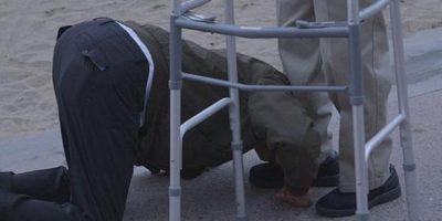 Y finalmente cayó de rodillas para agradecerle y decirle que lo amaba. Foto:Internet