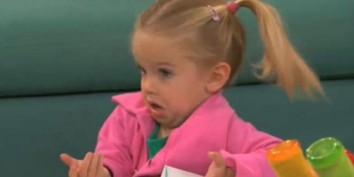 VIDEO: Así reaccionó esta niña al ver a dos tortugas apareándose