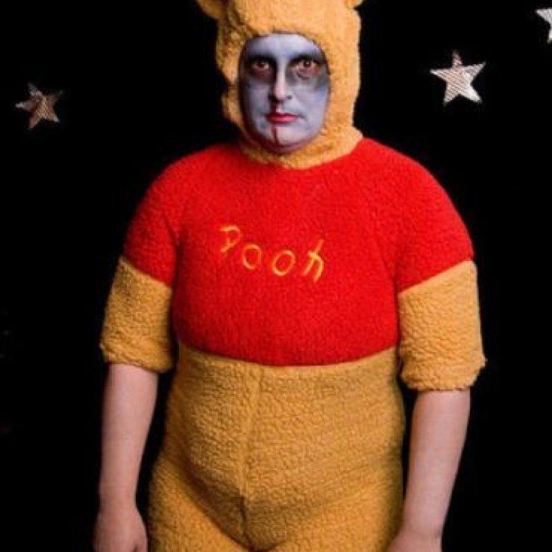 Fue detenido aproximadamente a las 2 pm Foto:Tumblr.com/tagged-winnie-pooh-traje