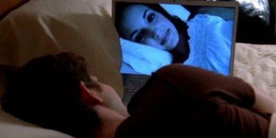 3. Suelen compartir sus contraseñas para ver películas en línea o para que tengan acceso a su música. Foto:Tumblr.com/Tagged-cyber-amor