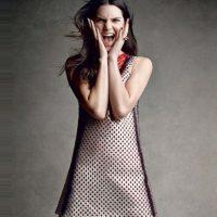 2. Kendall es protegida de Karl Lagerfeld. Sí, el diseñador le tomó fotos a Kim, pero ser musa de Chanel es otro nivel. Foto:Instagram/Kendall Jenner