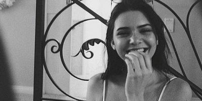 """9. Kendall ha afirmado con sus actitudes y decisiones que quiere una carrera sólida en la moda. Mientras tanto, según el magazine Ok! """"Kim Kardashian hace de todo para parecer relevante. Incluso desnudarse"""". Foto:Instagram/Kendall Jenner"""