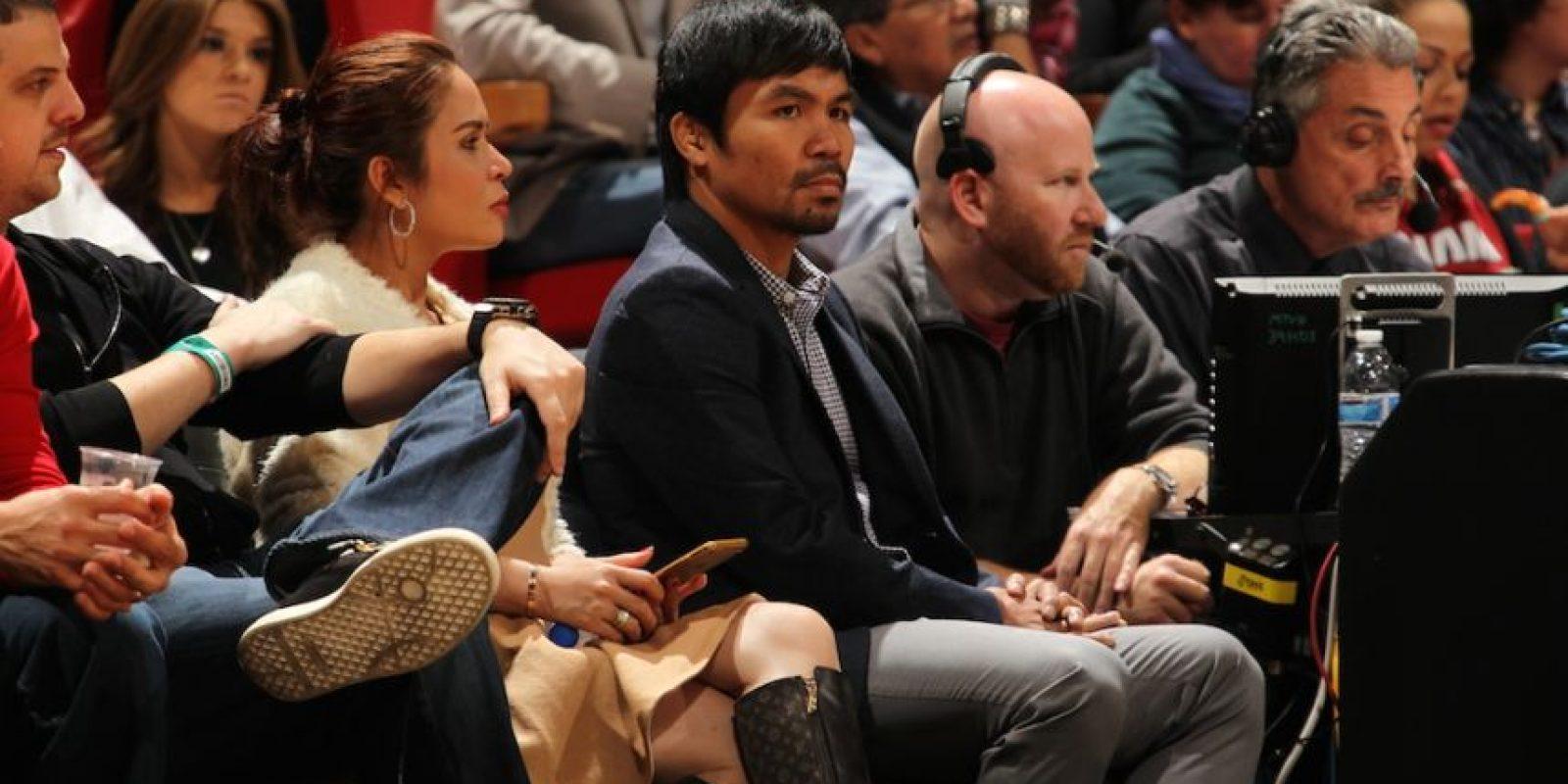 Manny aprovechó su estancia en Estados Unidos para asistir al partido. Foto:AFP