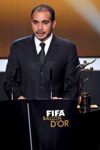 Al-Hussein, de 39 años de edad, es príncipe de su país, fue elegido vicepresidente de la FIFA en 2011 por representación de Asia y es presidente del Consejo de Administración de futbol de Jordania. Foto:Getty Images