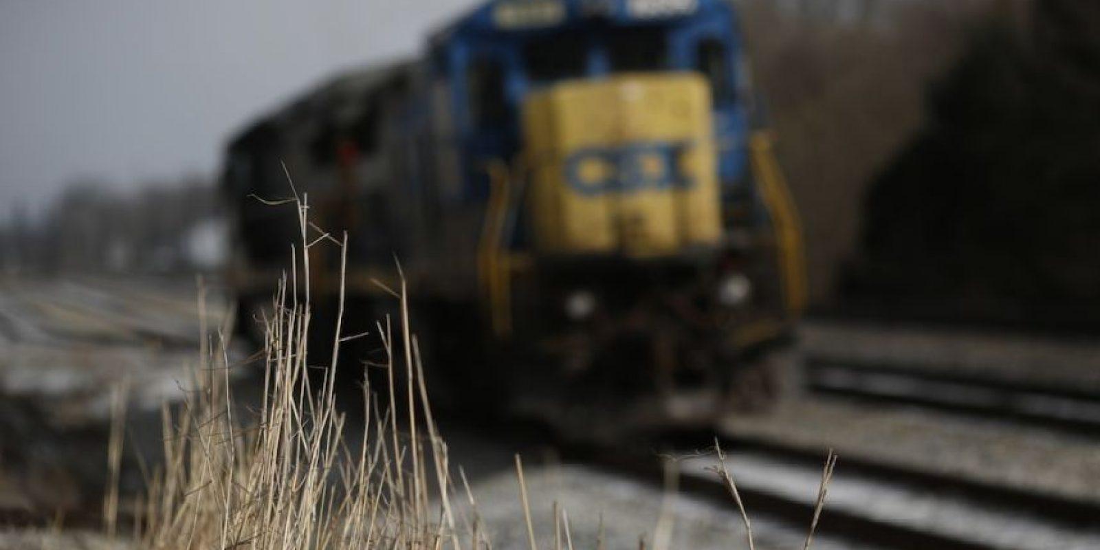 Un grupo de universitarios deseaban estar tan cerca del tren como fuera posible. Foto:Getty Images