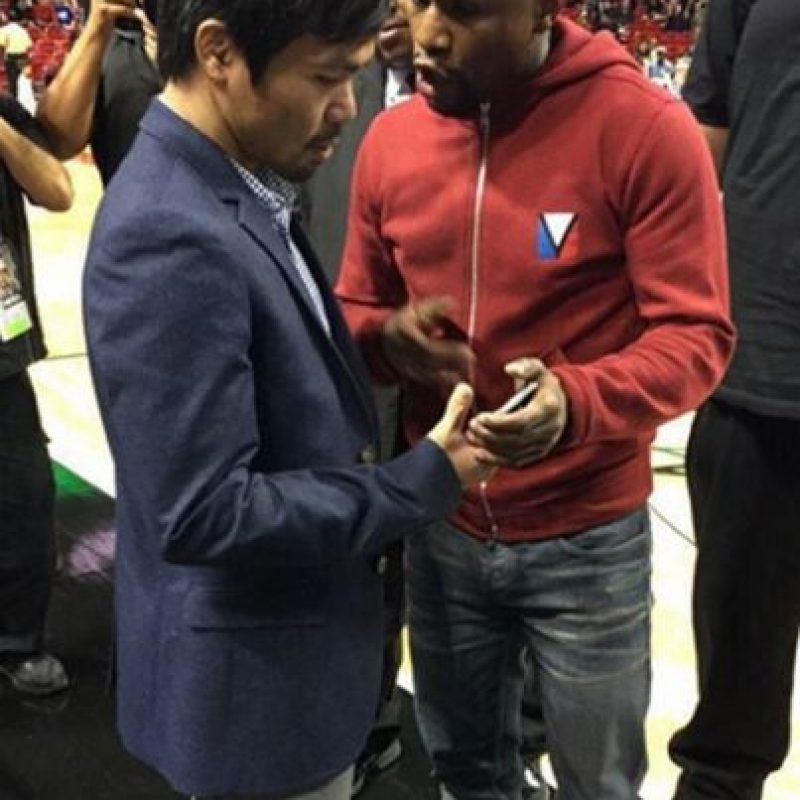 Al parecer, Floyd le pasó su número telefónico a Manny. Foto:Twitter