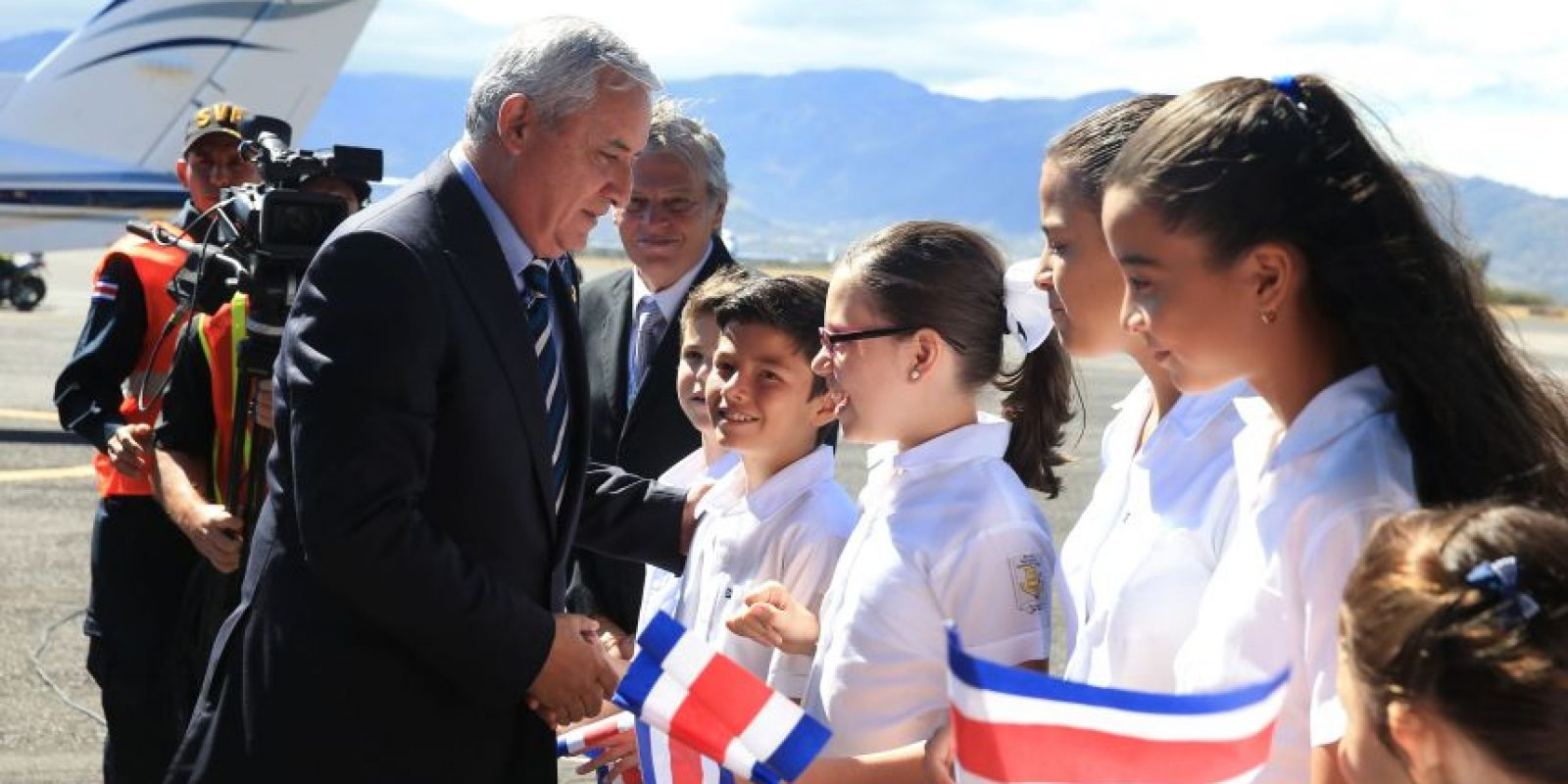 Saluda. Foto:Presidencia