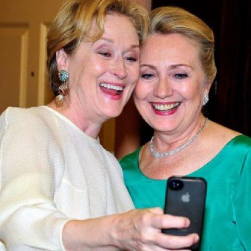 Meryl Streep con Hilary Clinton en una cena de gala Foto:Getty Images