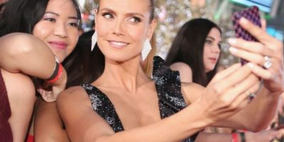 La modelo Heidi Klum con sus fans Foto:Getty Images