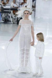 Se cotizó como uno de los modelos top del mundo al salir en el desfile de Chanel. Karl Lagerfeld es su padrino. Foto:Getty Images