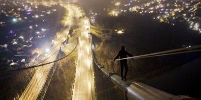 Esta mujer en el puente Foto:BoredPanda