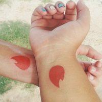 Este es el tatuaje de Tinder que ahora ambos tienen Foto:Vía Facebook.com/luh.jahnke