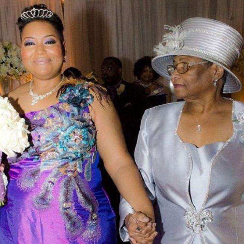 Si dos años después no hallaba marido, se casaría con ella misma. Foto:Yasmin Eleby/Facebook