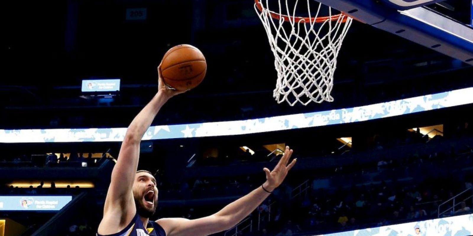 Gasol fue clave en el trunfo de los Grizzlies sobre los Mavericks Foto:Getty