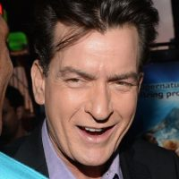 """Bueno, al actor lo despidieron de la comedia """"Two and a half men"""" porque la mayoría de las ocasiones llegaba borracho al set de grabación. Foto:Getty Images"""