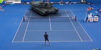 VIDEO: Djokovic se enfrenta con un tanque de guerra en cancha de tenis