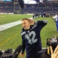 El rapero es hincha de los Seahawks. La imagen dice más que mil palabras Foto: Twitter: @710ESPNSeattle