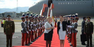 Presidenta de Chile arriba a Guatemala