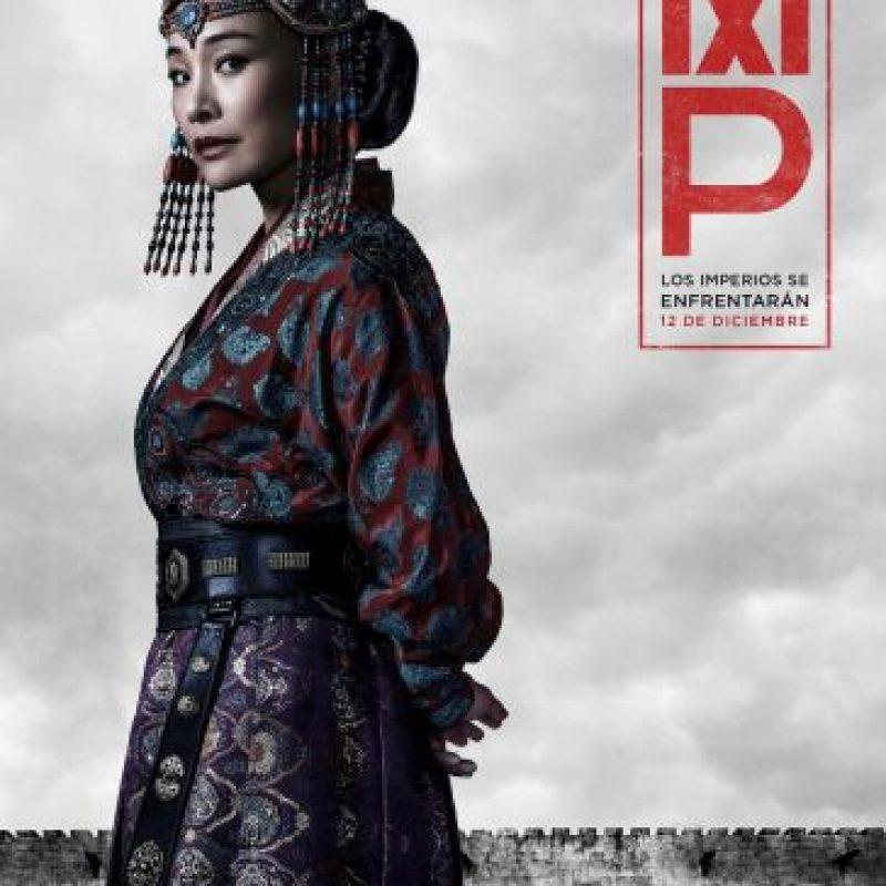Joan Chen interpreta a la Emperatriz Chabi, la esposa de Kublai Khan con voluntad firme, en la serie original de Netflix Marco Polo. Foto:Netflix
