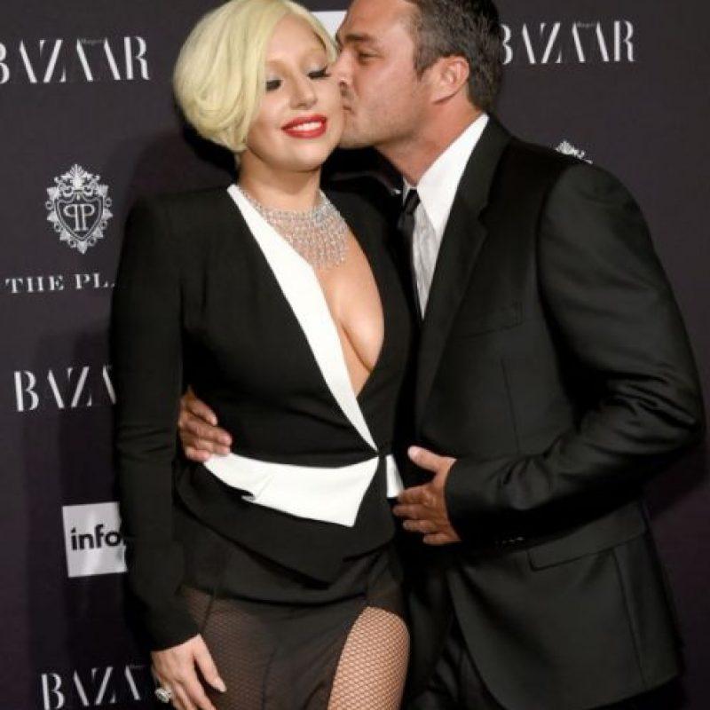 Según reportes de la revista Haarper´s Bazaar, Lady Gaga se comprometió con su novio Taylor Kinney en octubre. Foto:Getty Images
