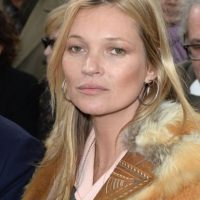Kate Moss tampoco sonríe. Foto: Getty Images
