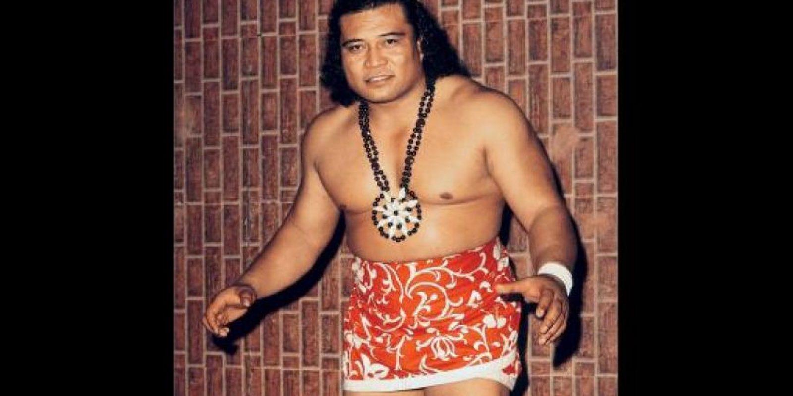 """Es abuelo de La Roca y """"hermano de sangre"""" de Amituanai Anoa'i, padre de los Wild Samoans Foto:WWE"""