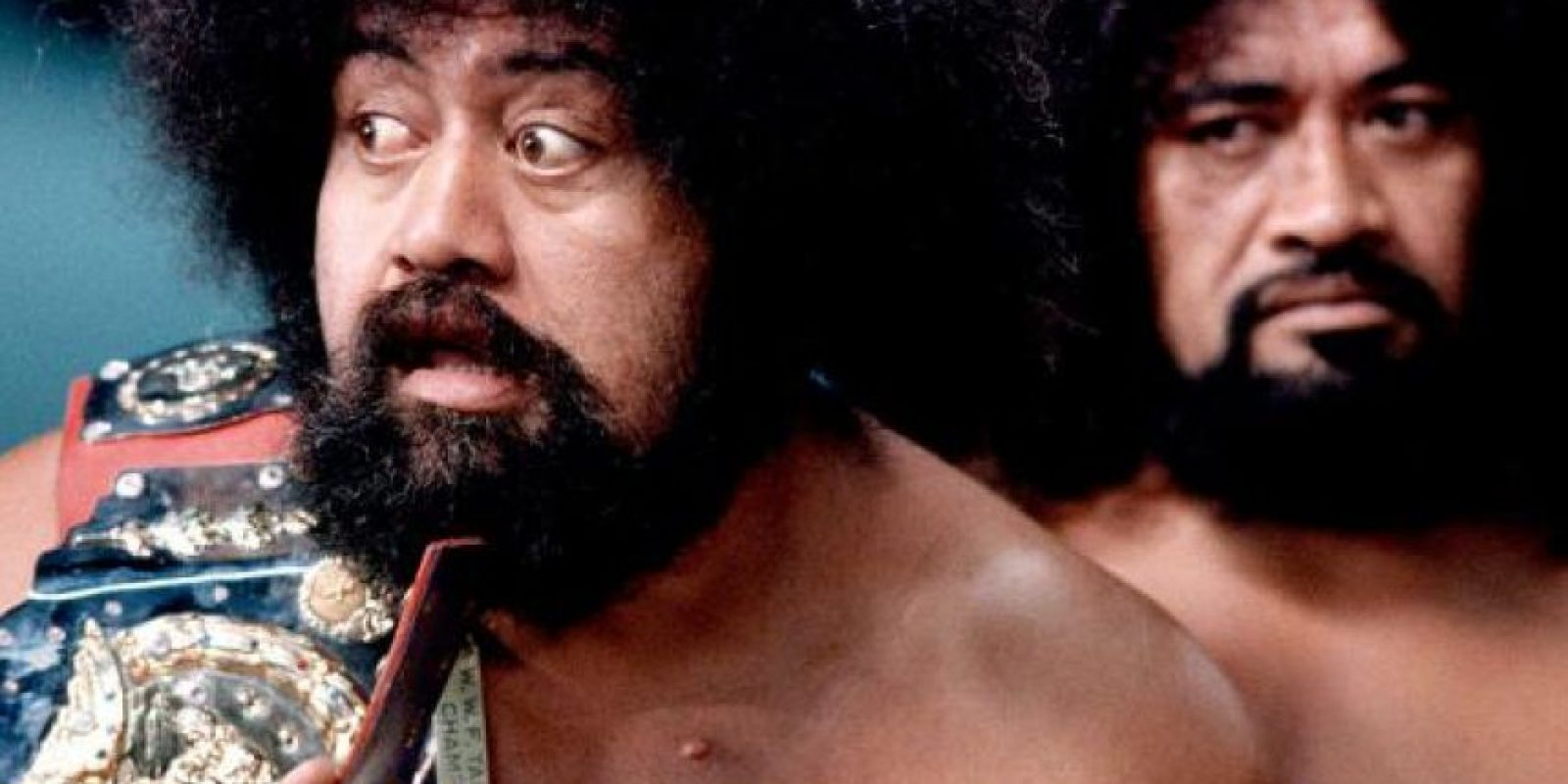 Afa y Sika formaron a los Wild Samoans; son miembros del Salón de la Fama Foto:WWE