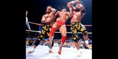 Con el nombre de Tama, se alió a Haku para formar a The Islanders Foto:WWE