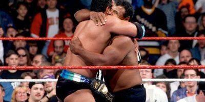 Cuando debutó, La Roca se llamaba Rocky Maivia, como un tributo a su padre y abuelo Foto:WWE