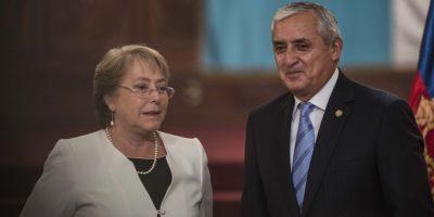 Presidenta de Chile se reúne con Otto Pérez para tratar temas de minería y seguridad