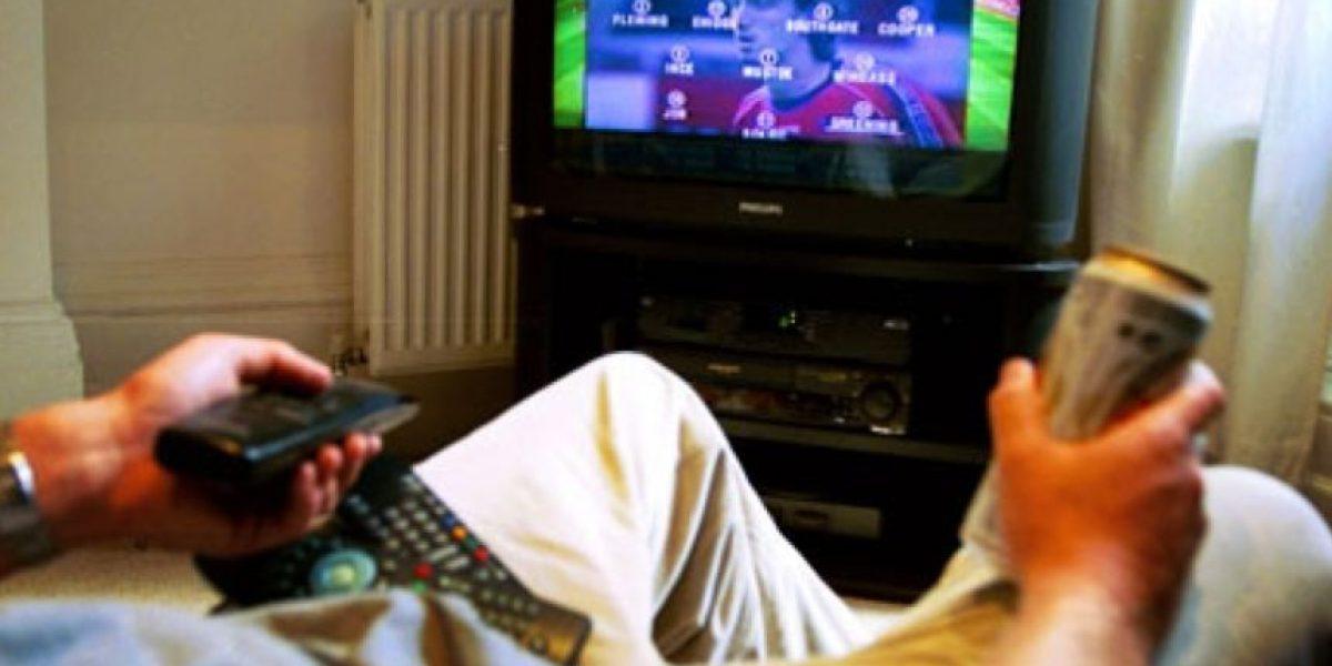 Estudio afirma que ver mucha televisión es señal de soledad y depresión