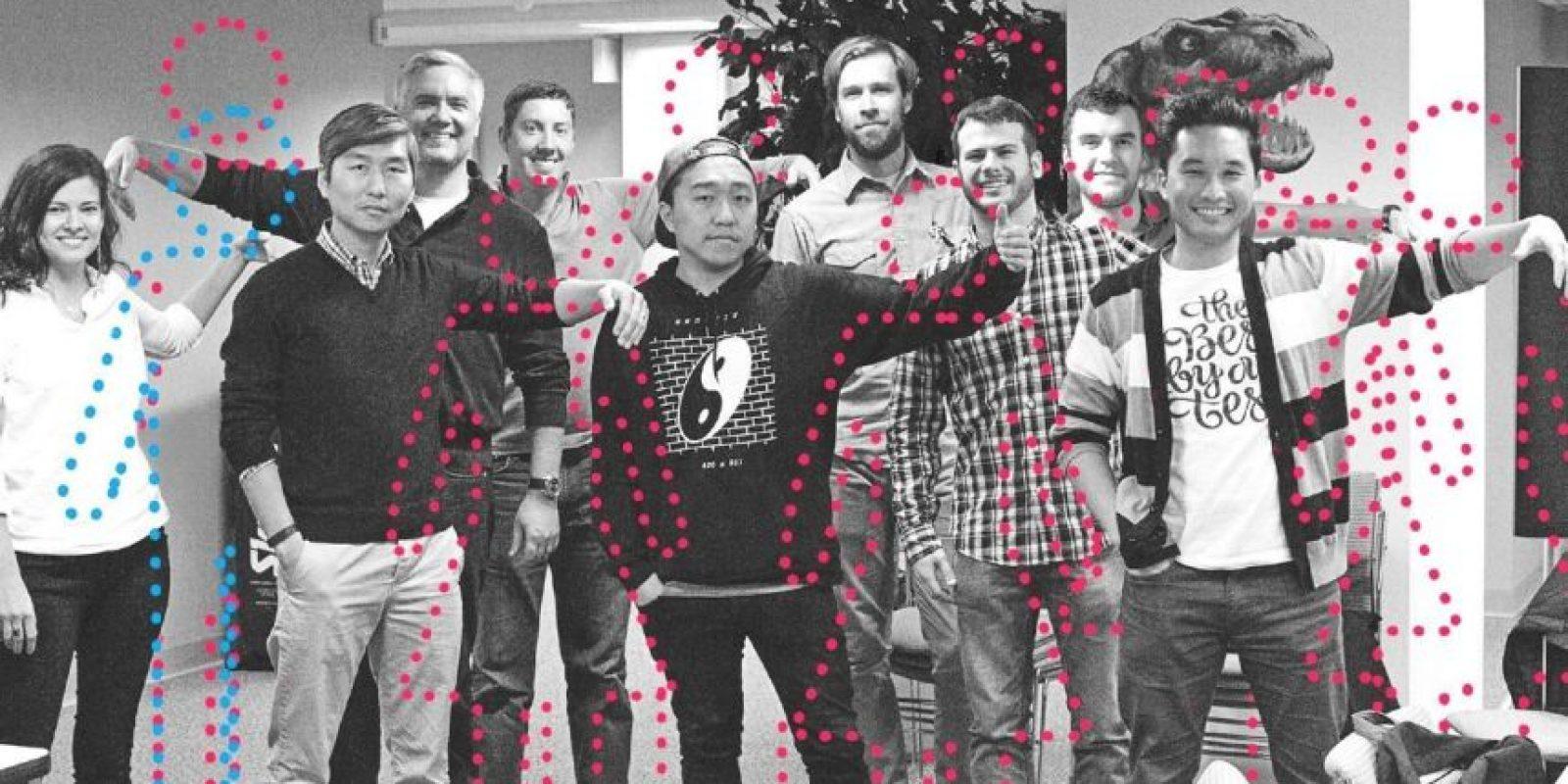 El estadounidense, Matt Homann, creó un sitio especial para solteros que quieren (únicamente) novio o novia cibernética. Foto:Vía Facebook.com/invisiblegirlfriend