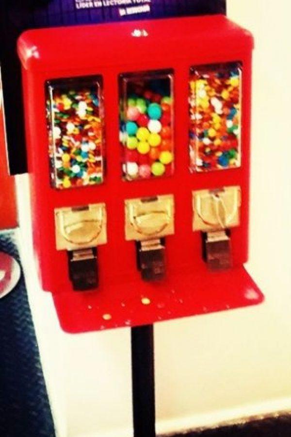 3. Si no pueden usar cepillo de dientes, usen chicle sin azúcar. Foto:Tumblr.com/Tagged-chicle