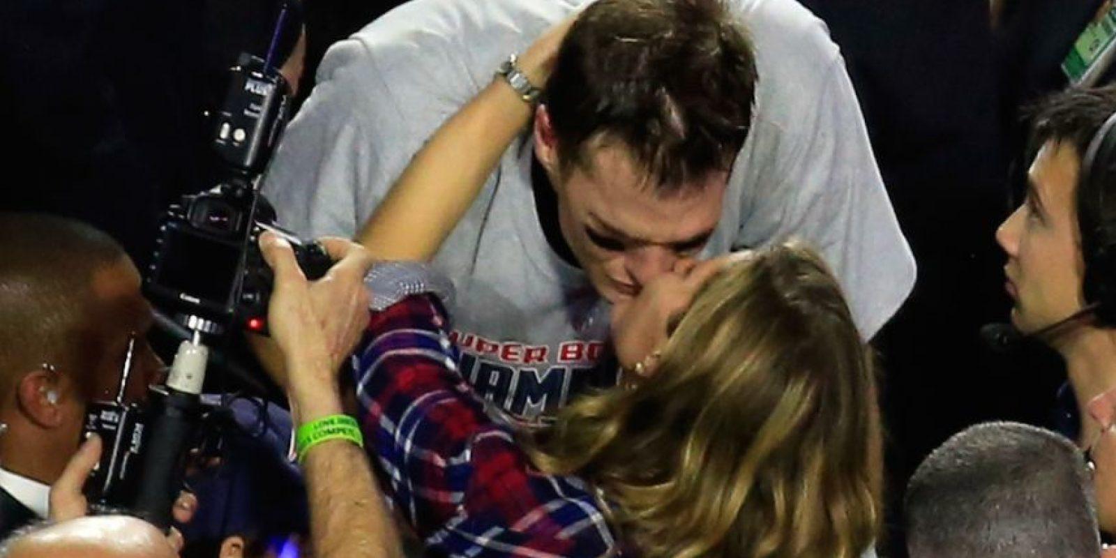 El famoso beso de Gisele Bündchen y Tom Brady. Foto:Getty Images