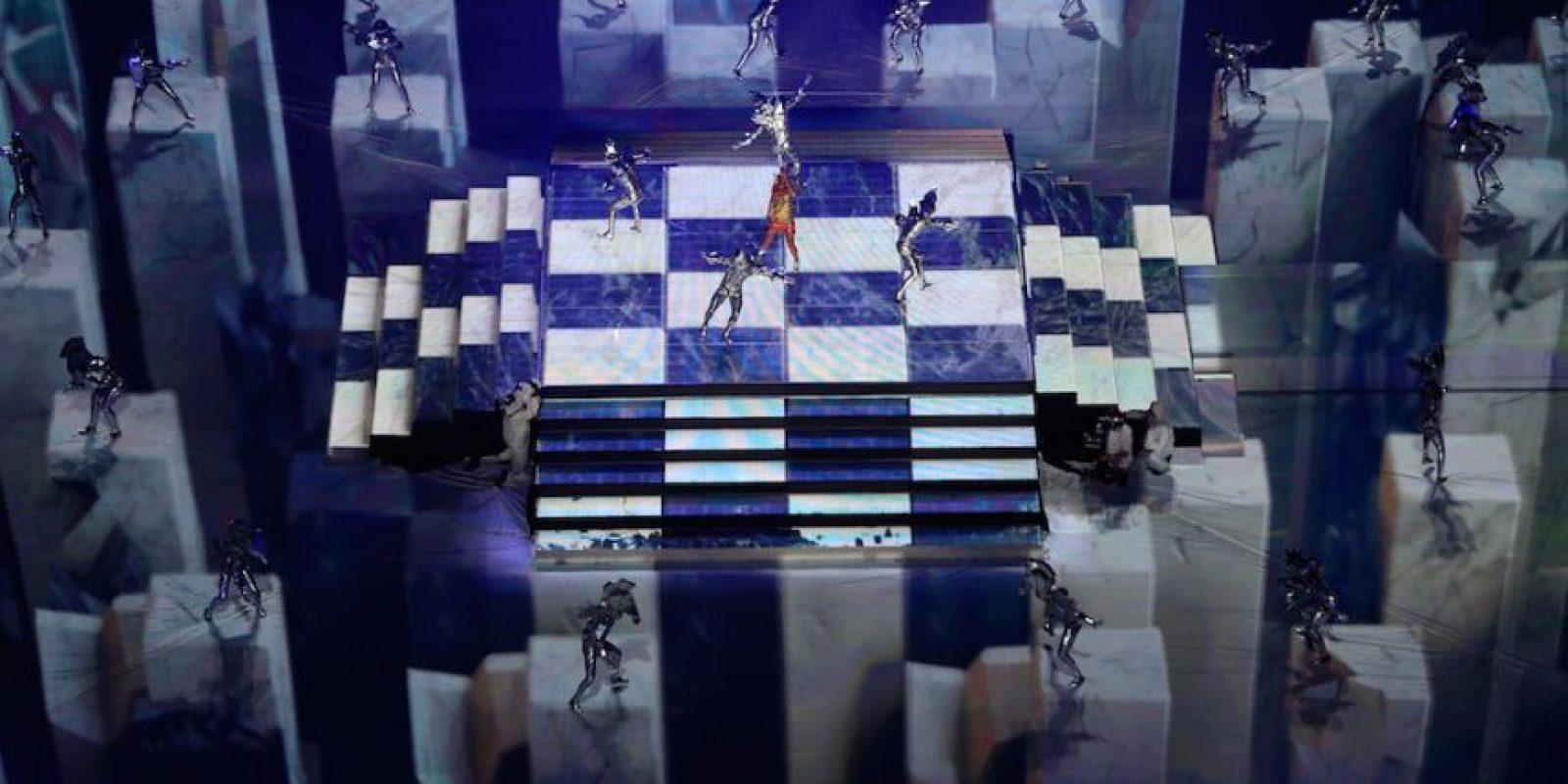 """En cuanto a los bailarines, Prathios dijo que comenzaron a ensayar el 22 enero y """"teníamos dos seccionales el 22 y el 23. Luego el domingo tuvimos un ensayo de unión con las esferas (tanto las que abrían como las que cerraban). El lunes y martes fueron otros ensayos de sección y reunión"""". Foto:Getty Images"""