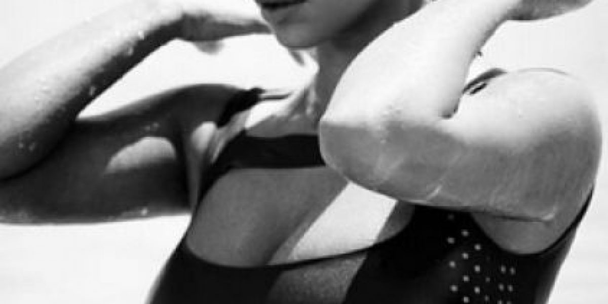 FOTOS. Kim Kardashian posa con juguete sexual para The Love Magazine