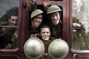 Soldados británicos regresan del frente en 1939.