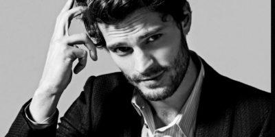 Christian Grey es fan del sadomasoquismo. Los editoriales de moda en los que participó Dornan tienen un componente altamente sexual que prueban que este es el actor perfecto para el personaje. Foto:Vogue